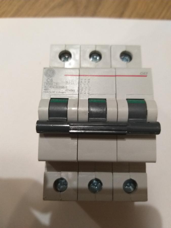 Автоматический выключатель General electric на 6ампер.