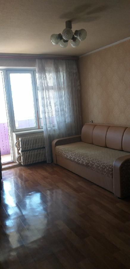 Сдам 2 комнатную квартиру ж/м Солнечный