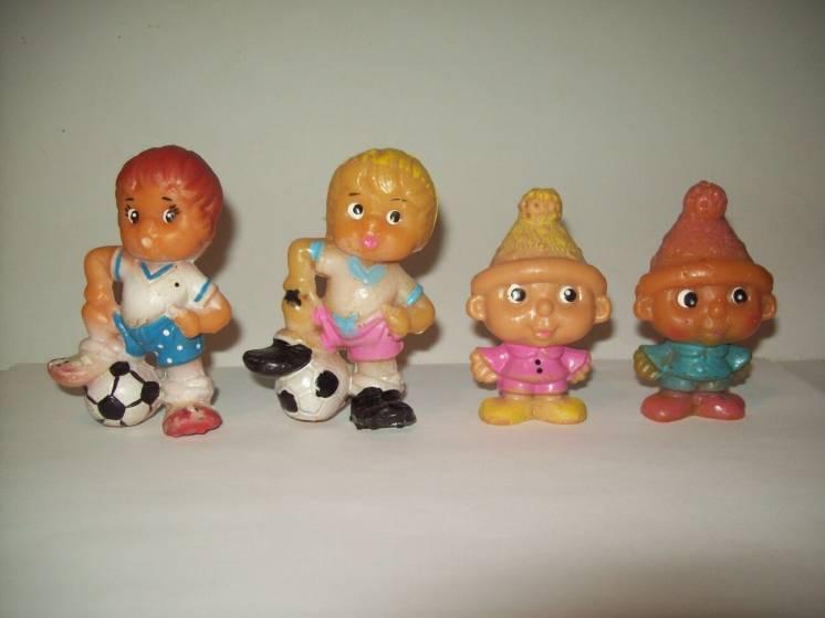 Игрушка цельнорезиновая резиновая гном Вася футболист  СССР