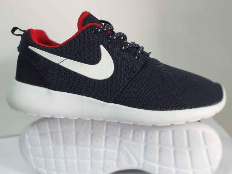 Жіночі кросівки Nike Roshe Run  37 розмір 00247