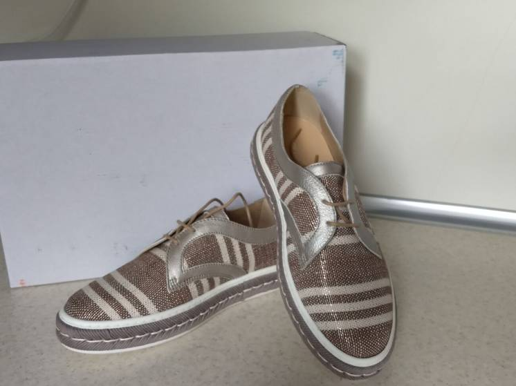 женские туфли сникерсы Peperosa, 37 размер.
