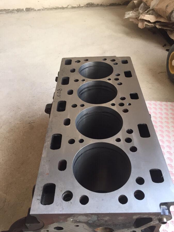 Блок двигателя и коленвал