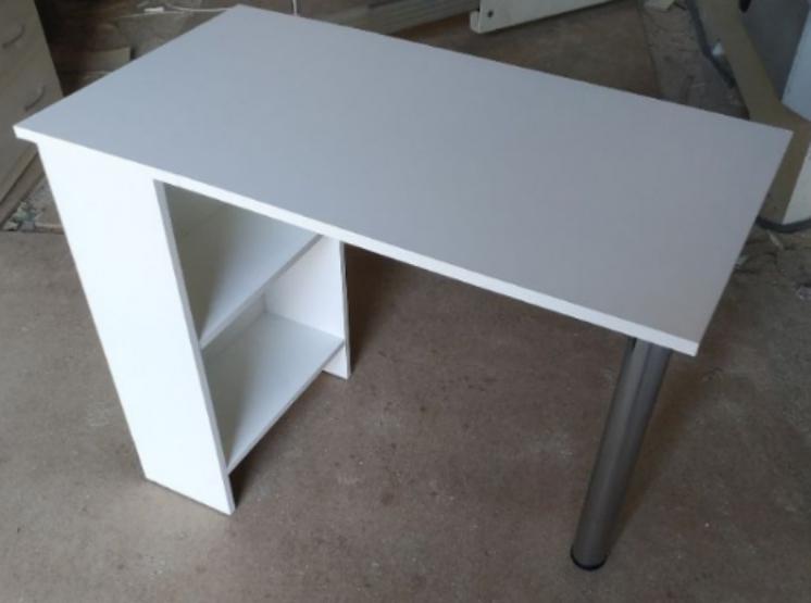 Маникюрный стол,  стол для мастера маникюра