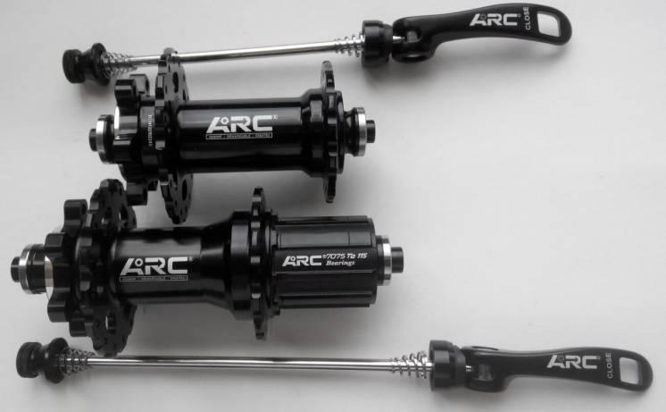 Втулки ARC MT006 под эксцентрики 32 спицы, новые, легкие на промах.