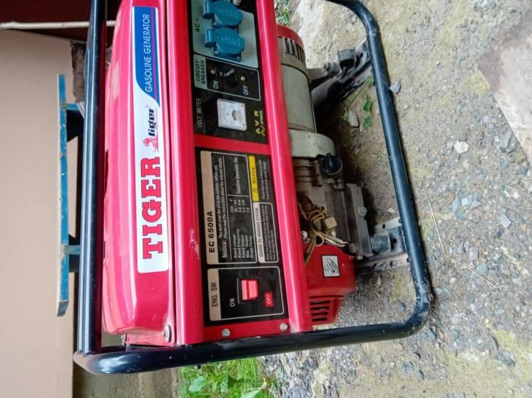 Продам генератор 5 Квт.