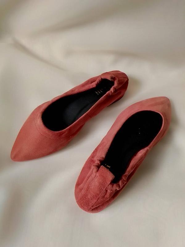 Теракотові туфлі з гострим носком Minelli