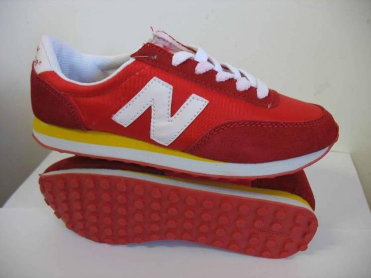 Чоловічі кросівки New Balance 400 39 розмір 99957