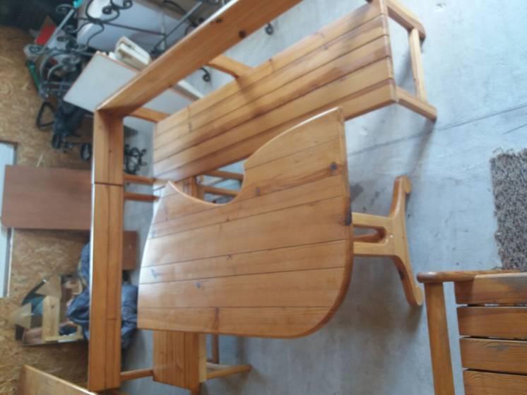 Деревянный стол и 2 лавочки СРОЧНО