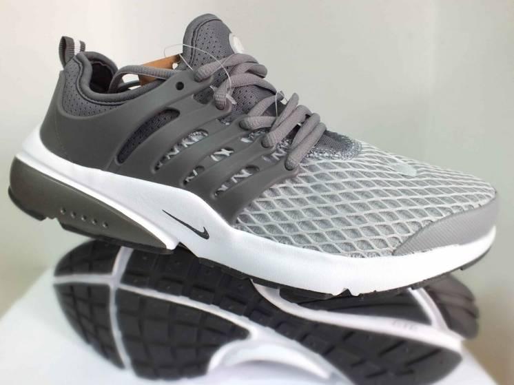 Чоловічі кросівки Nike    45 46  розмір 00066