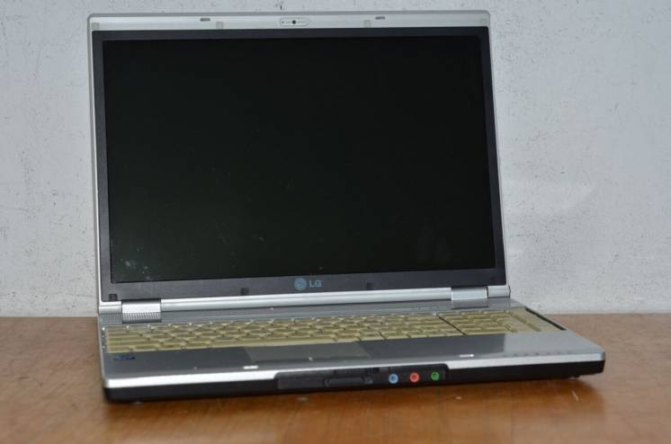 3071. Ноутбук Lg Xnote E500! Мегаsale!!