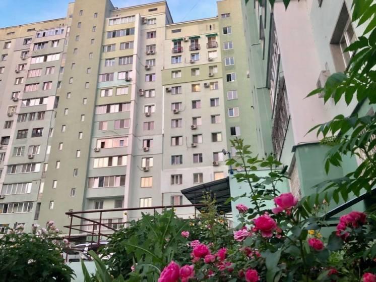 Продам однокомнатную квартиру 56 кв.м. Петра Григоренка 14