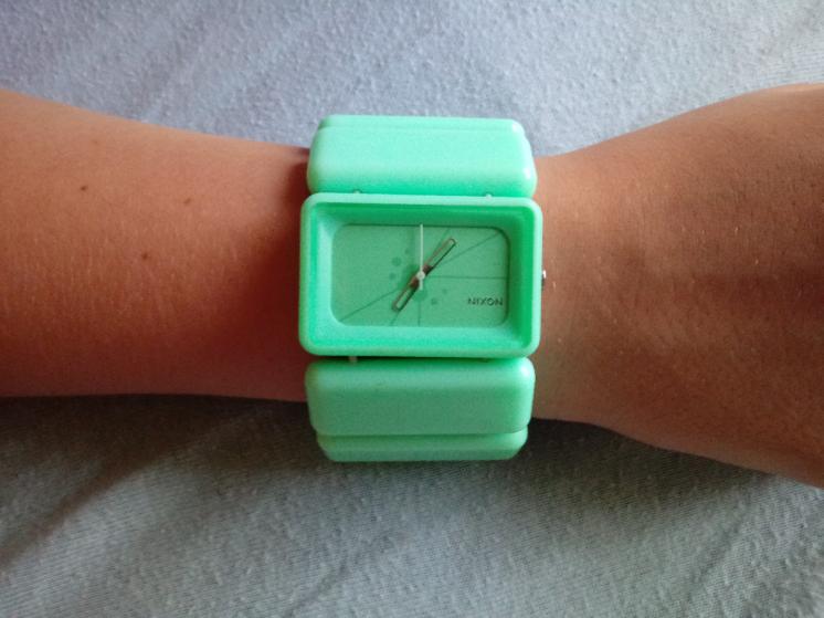 Часы женские Nixon (The Vega).