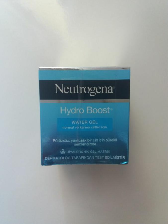 Крем гель для увлажнения лица. Идеально подходит для лета Neutrogena