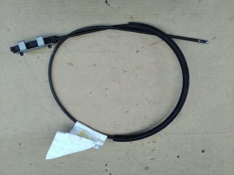 Трос замка капота VW Passat B7 3C2823535A