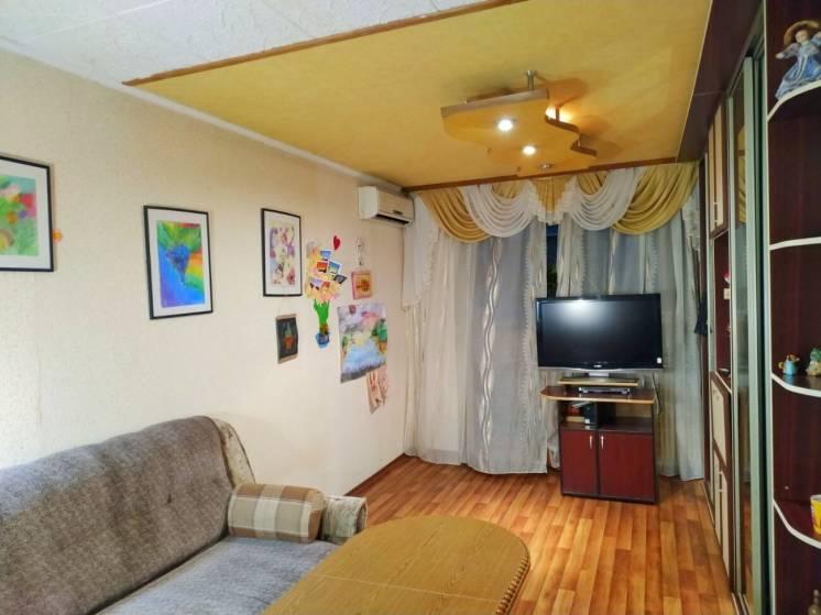 Продам 2-х комнатную квартиру м.Холодная Гора