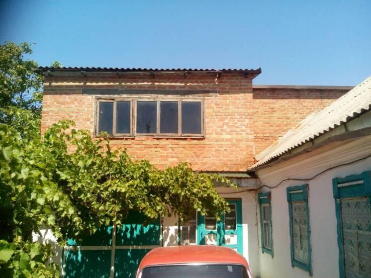 Дом в пгт. Розовка жилая площадь 34 м. кв. общая 170 м. кв