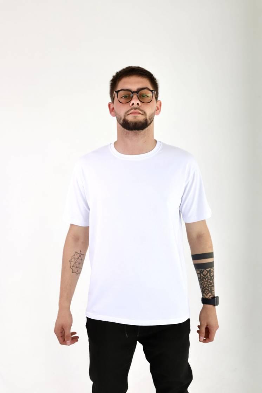 Мужская базовая хлопковая футболка прямого кроя в разных цветах