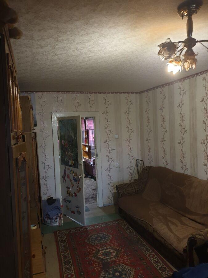 Продам 3-комнатную квартиру на Коммунаре (Красный Камень, Парус)