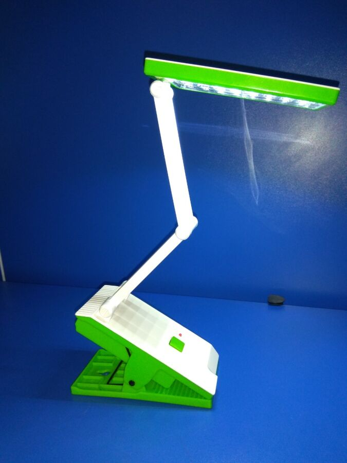LED лампа настольная