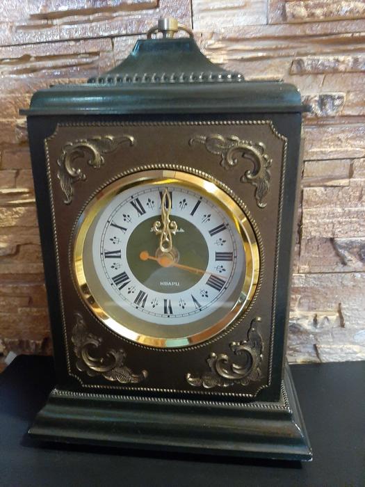 Часы янтарь кварц