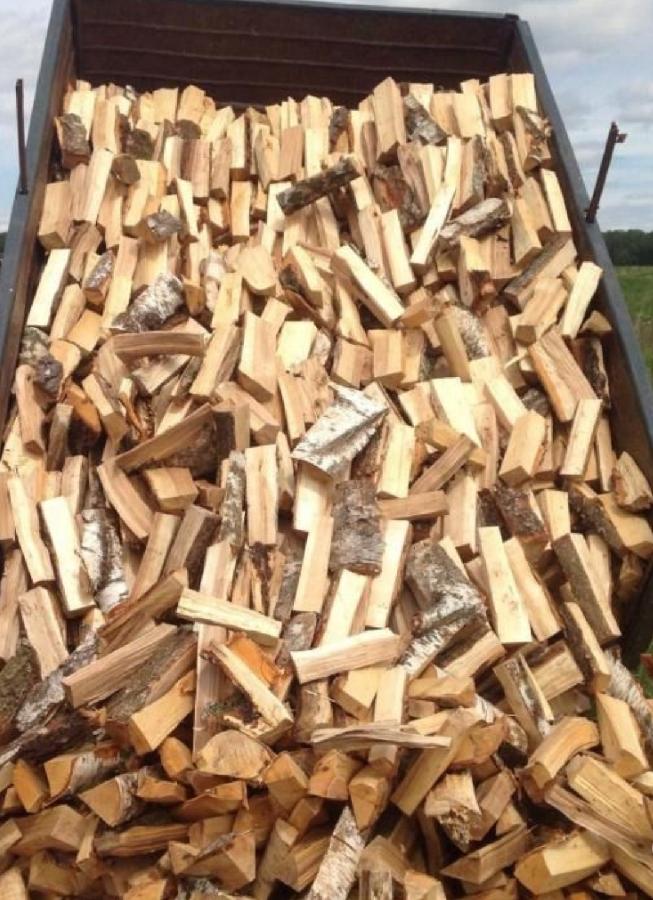 Продаём дрова 1,200грн колитие берёза, мокрая акацыя рубаные