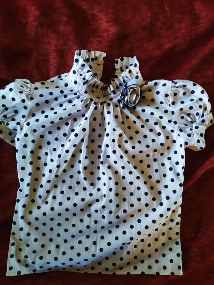 Продам блузку с коротким рукавом  бу,в хорошем состоянии