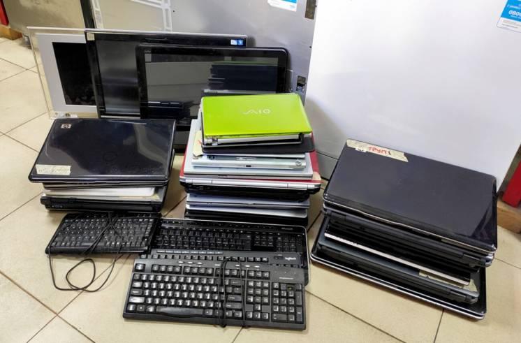 Ноутбуки нетбуки моноблоки на запчасти нерабочие Б/У из Германии