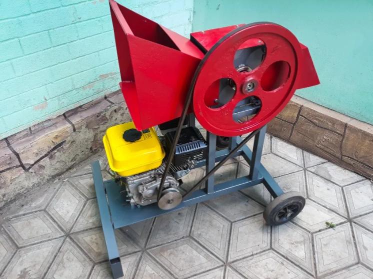 Измельчитель веток рб 50 Дробилка садовая,дровокол бензиновый