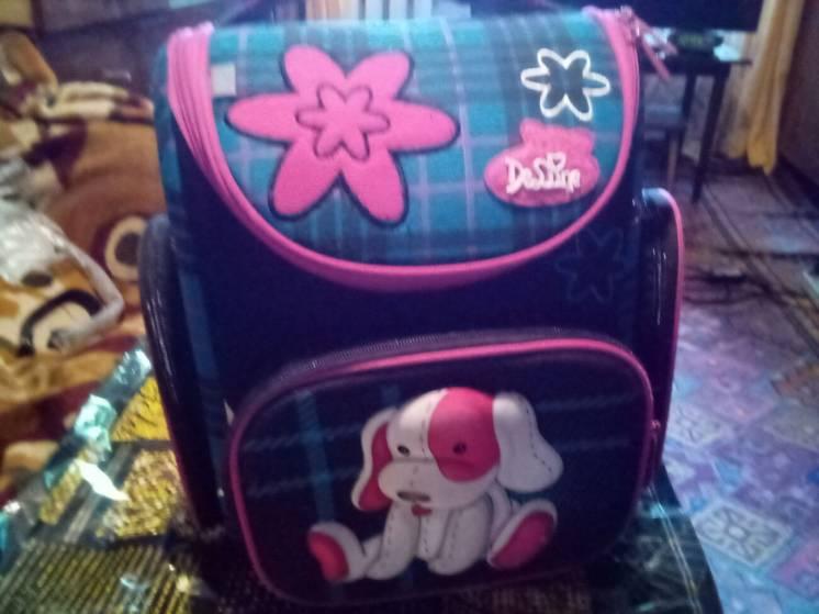 Продам б у детский школьный рюкзак,для девочки