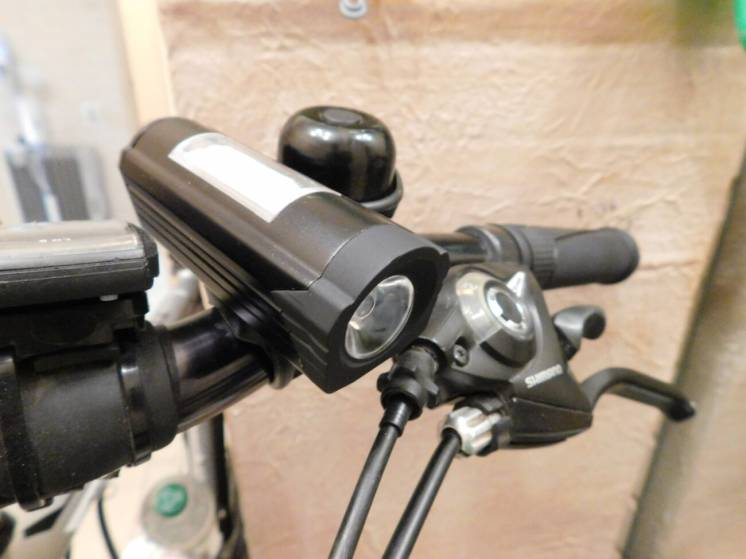 Фонарик,фара,алюминиевый корпус на велосипед,самокат