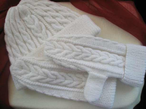 Комплект Шапочка + Варежки ручной работы! цвет - белый