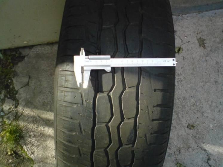 продам резину(шины)265х65R17 б/у YOKOHAMA