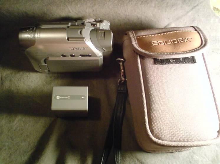 продам видеокамеру SONY DCR-HC17E