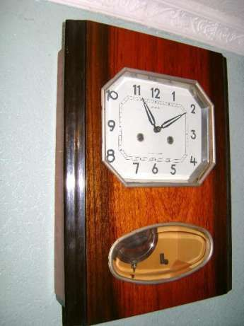 Старые настенные часы янтарь продать diamonds стоимость часов coster