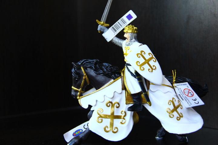 рыцари на конях