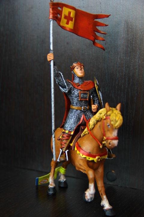 рыцарь на коне (PLASTOY) 90-100мм
