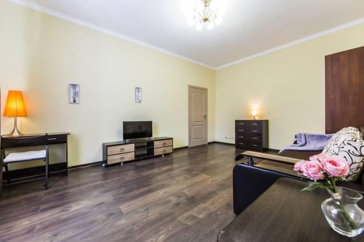Уютная 2-к квартира в Центре возле Золотых ворот и Крещатика