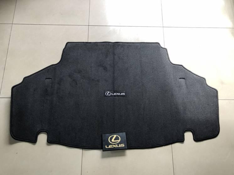 Оригинальный коврик в багажник Lexus LS