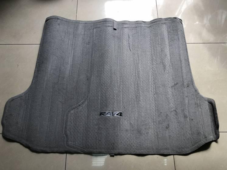 Оригинальный коврик в багажник Toyota RAV4