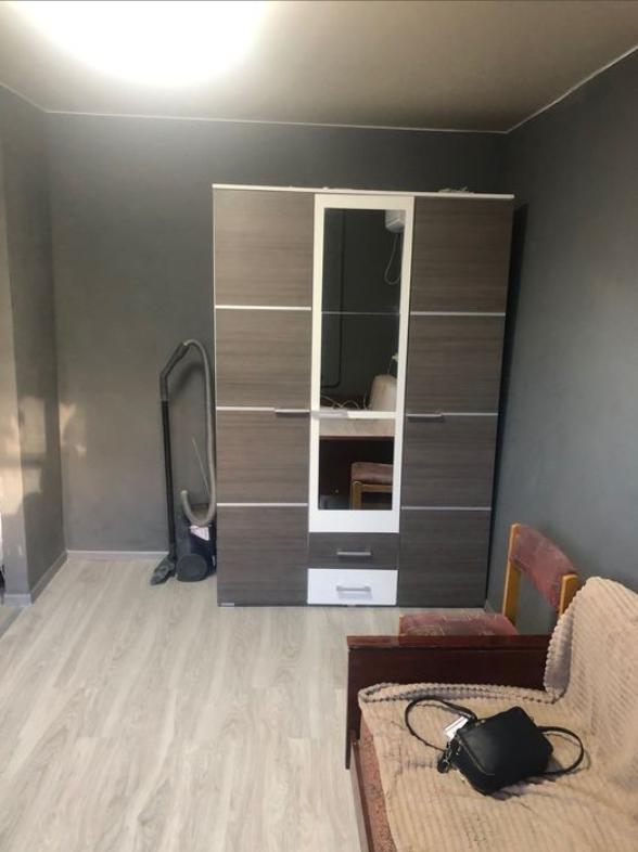 Продам однокомнатную квартиру студию на Дзержинского/пр. Центральный