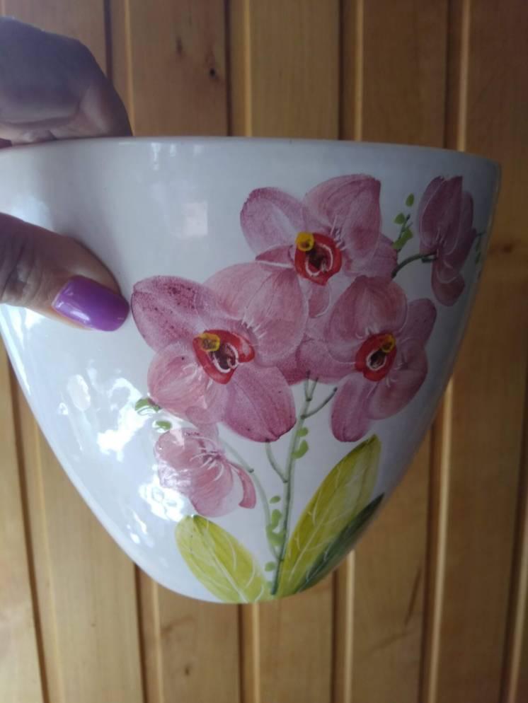 Горшок для цветов вазон с цветами в отличном состоянии