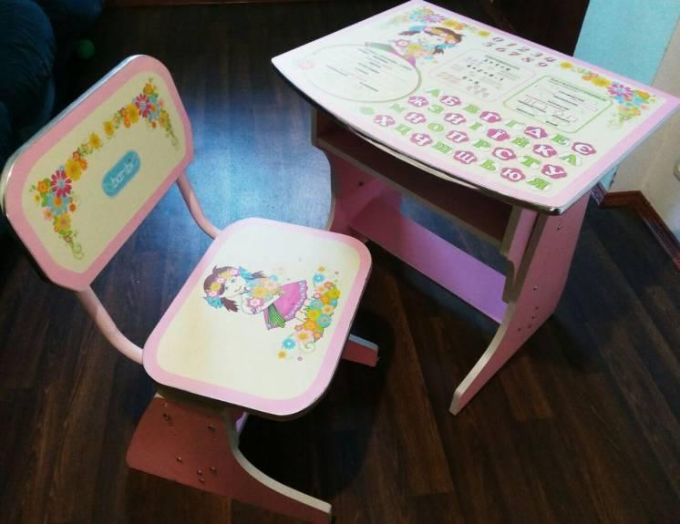 продам детскую стол-парту и стульчик для девочки