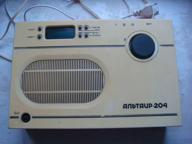 Трехпрограммный приемник проводного вещания Альтаир ПТ204 неисправный