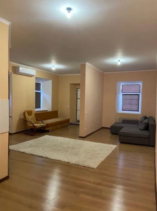Сдается однокомнатная квартира в Центре города.