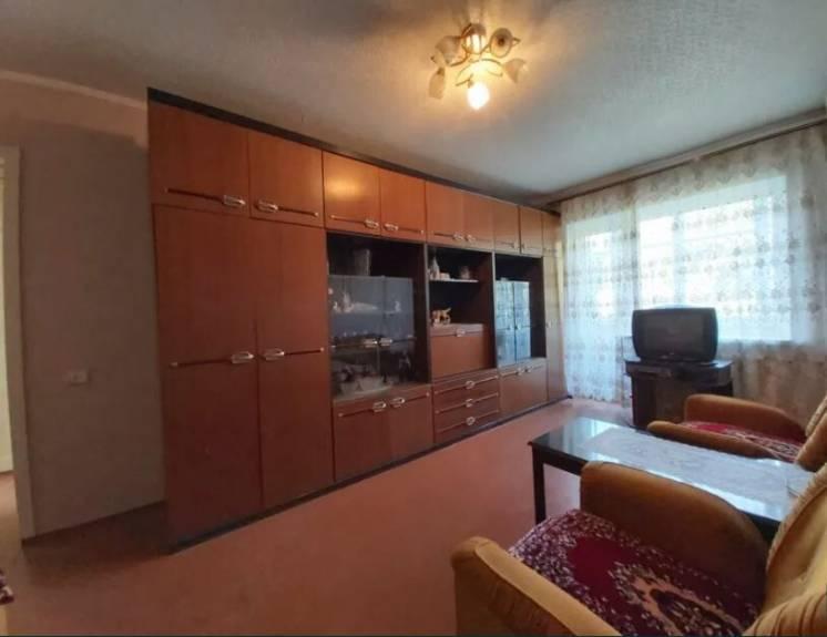 Продам трехкомнатную квартиру, 12 Квартал.