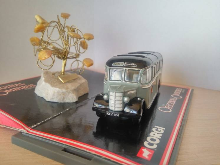 Модель британский автобус Bedford OB Coach Seagull, Corgi масштаб 1:76