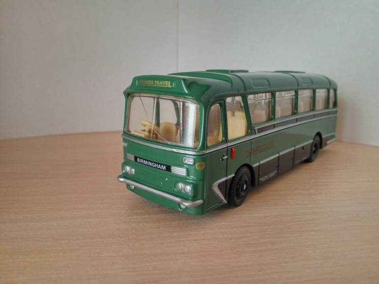 Модель автобуса Harrington Grenadier, масштаб 1:76, EFE
