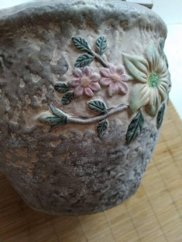 Вазон для цветов цветочный горшок с выпуклым рисунком цветов садовых