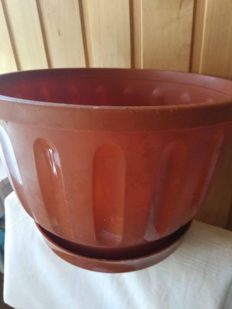 Пластиковый вазон для цветов горшок 5,л с поддоном