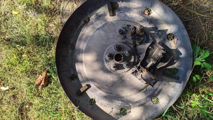 Механизм подъема запасного колеса Mitsubishi 4260a016 + защита запаски